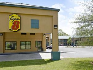 Super 8 Gainesville property photo