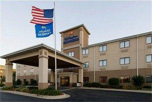 Holiday Inn Express Marshall property information