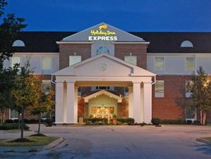 Holiday Inn Express Hotel & Suites CHICAGO-ALGONQUIN property photo