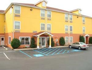SureStay Plus Hotel Chattanooga Hamilton Place property information