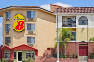 Super 8 Los Angeles Downtown property photo