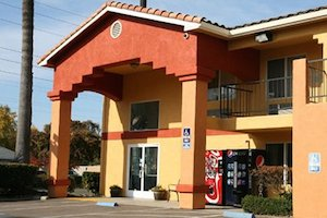 Econo Lodge Lodi property information