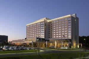 Hilton Baltimore BWI Airport property photo