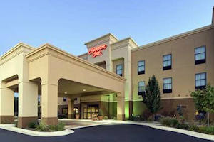 Hampton Inn Marshall property information