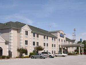 Baymont Inn & Suites Chicago/Calumet City property photo