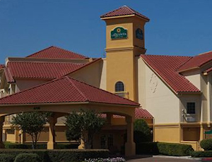 La Quinta Inn & Suites Fort Worth North property information