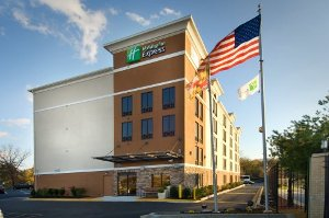 Holiday Inn Express Washington DC - BW Parkway property information