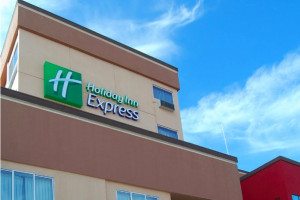 Holiday Inn Express & Suites Los Angeles Downtown West property photo