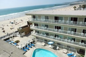 Surfer Beach Hotel property photo