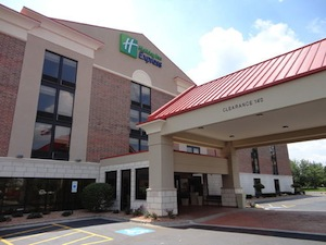 Holiday Inn Express Crestwood property information