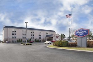 Hampton Inn Muskegon property information