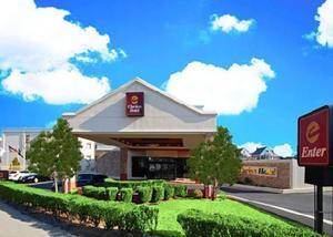Clarion Hotel La Guardia Airport Photo Gallery