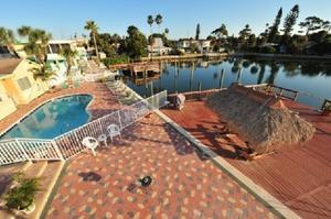 Bayview Plaza Waterfront Resort Photo Gallery
