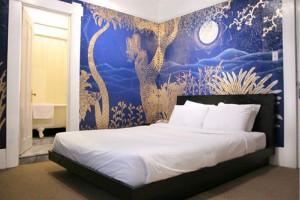 Hotel Des Arts Photo Gallery