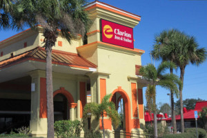 Clarion Inn & Suites Kissimmee Photo Gallery