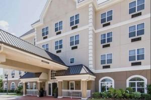 Quality Inn & Suites I-35 E/Walnut Hill Photo Gallery