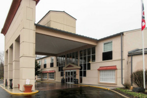 Quality Hotel Blue Ash Photo Gallery