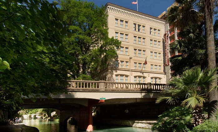 Drury Inn & Suites Riverwalk
