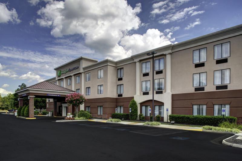 Holiday Inn Express & Suites Richmond North Ashland